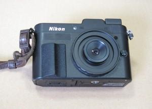 監視カメラのレンズを付けたNIKON 1