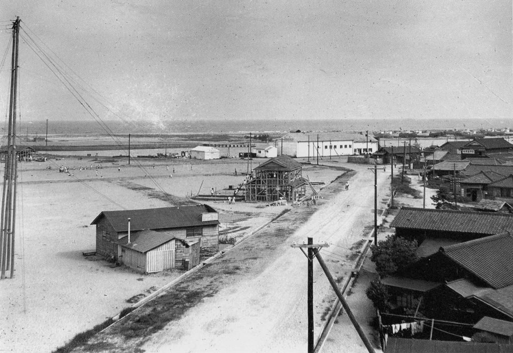 昭和28年頃、埋め立てたばかりの広浦。